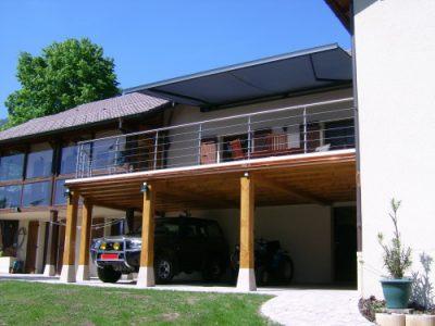 Terrasse en hauteur et carport